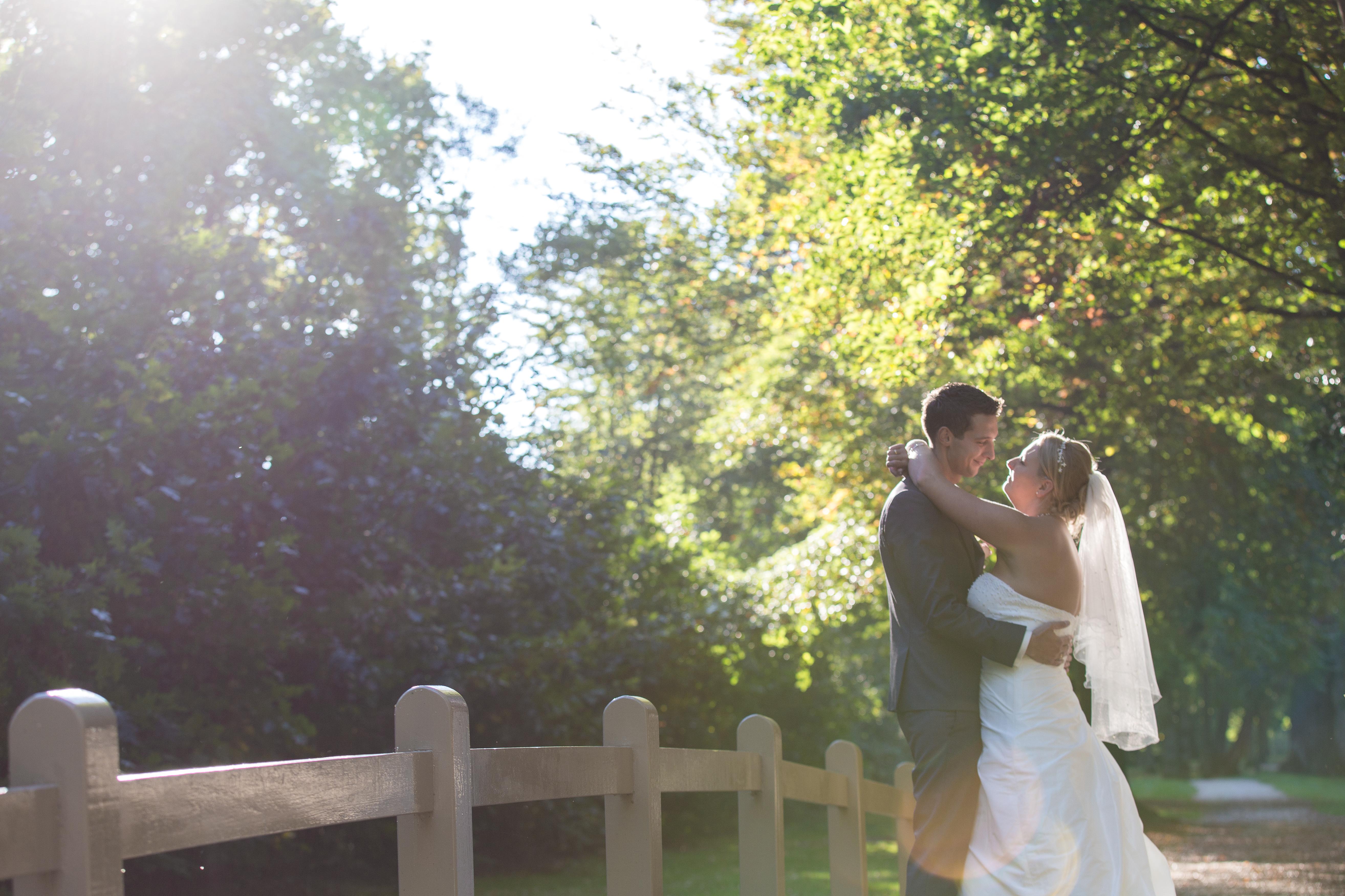 Fotoshoot voor de trouwfoto's op landgoed Groenendaal