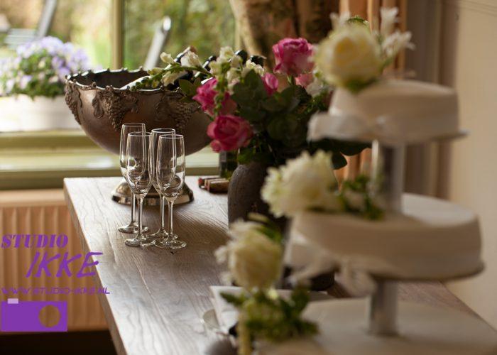 Bruidstaart en champagne bruidsreportage